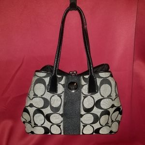 Authentic Coach Carryall Jacquard Blk Sig Hobo